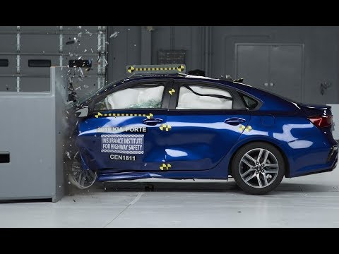 2019 Kia Forte Driver-side Small Overlap Crash Test (extended Footage)