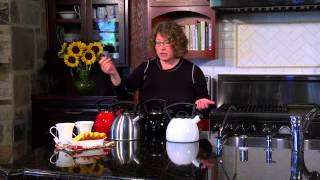 Cuisinart Bravo Whistling Tea Kettle Collection (CTK-SS14 & CTK-EOS14) Demo Video