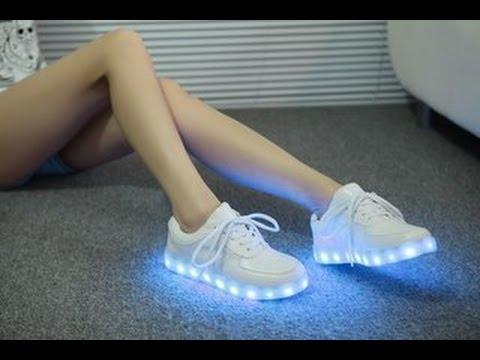 20 авг 2015. Обзор на светящиеся кроссовки с led подсветкой, а также демонстрация их функционирования. Успейте купить со скидкой здесь: http://goo. Gl/u9rrqq.