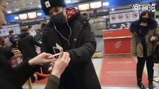 迪玛希Dimash,[20181216]  Dimash at Beijing airport. (from Beijing to Shanghai)