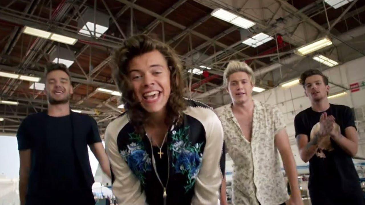 На музыкальном портале Зайцев.нет Вы можете бесплатно скачать One Direction...