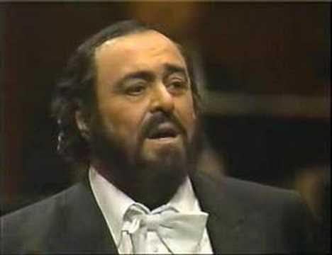 Luciano Pavarotti in Manon