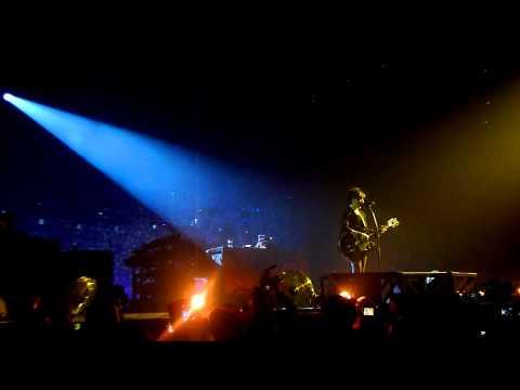 Indochine Live Paradize + 10 - Un Singe En Hiver + A demain 01/02/12