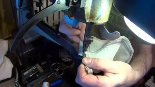 Как ушить голенище сапог часть 2. Видео уроки по ремонту обуви, и изделий из кожи.