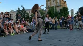 Танцы на Майдане угарный батл танцоров