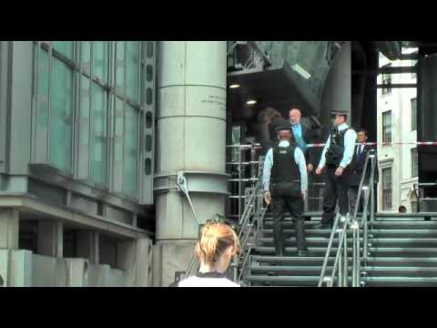 Mike Robertson climbs Lloyds building