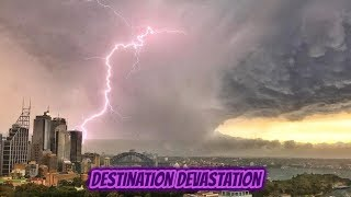 Stunning lightning storm Sydney, Australia. Turns sky pink. Shocking footage and pictures.