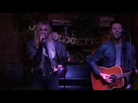 "Kelsea Ballerini- ""Miss Me More"" Secret NYC Pop Up 11217"