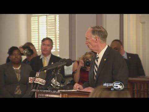 Lawmakers React to Resignation of Robert Bentley
