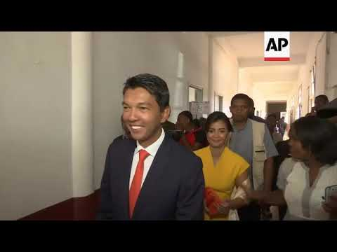 Rajoelina votes in Madagascar presidential election runoff