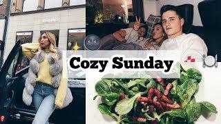 Vlogmas #17: Chiller Sonntag + Family Dinner & Movie Night -Adorable Caro