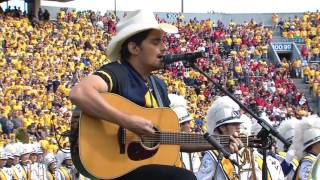 Brad Paisley Sings Country Roads at WVU