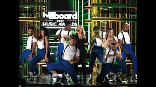 Kelly Clarkson - Medley Hits at Billboard Music Awards 2019