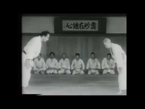 """Kyuzo Mifune """"God of Judo"""" 75 year old Judo Master destroys students (MUST SEE!)"""