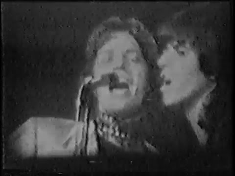 "Rolling Stones - RARE live clip of ""Dead Flowers"" from 1970 tour"