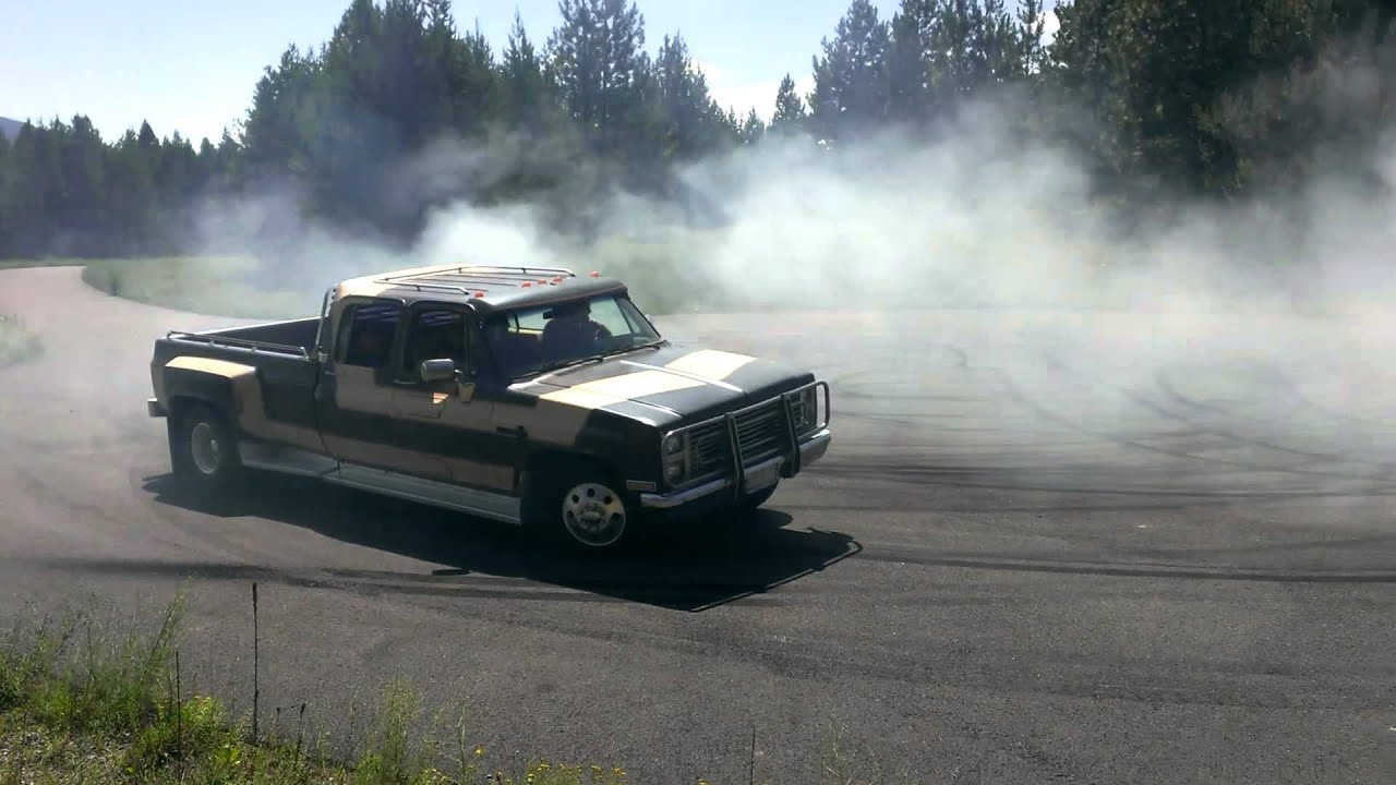 1985 Chevy C30 Dually Burnout