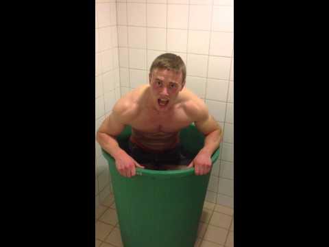 Björgvin Karl Gudmundsson icebathing at Regionals 2013
