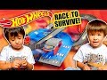 HOT WHEELS CITY SPEEDWAY  Jugando con coches nuevos hotwheels con Dani y Evan