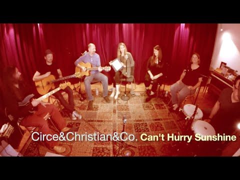 Circe Link - Can't Hurry Sunshine (Live Living Room Show)