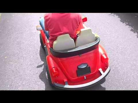 peg perego k fer beetle kinderauto elektro rot youtube. Black Bedroom Furniture Sets. Home Design Ideas