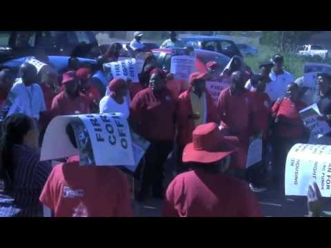 TUT TV NEWS: SADTU protests outside the basic department of Education's offices in Garankuwa