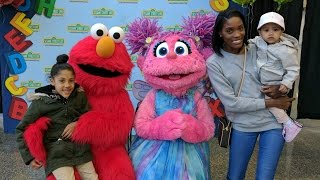 BACKSTAGE WITH ELMO