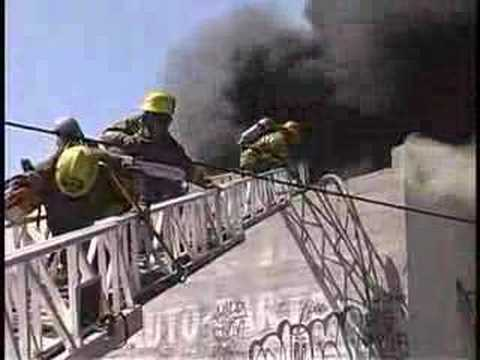 Lafd Major Emergency Fire Get Off The Roof Youtube