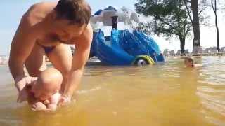 Занятия в бассейне для детей до года. Бассейн. Косино(Занятие с младенцем в воде. Упражнения для новорожденных в бассейне. Комплекс «Термальні води Косино» розт..., 2014-07-27T11:59:47.000Z)