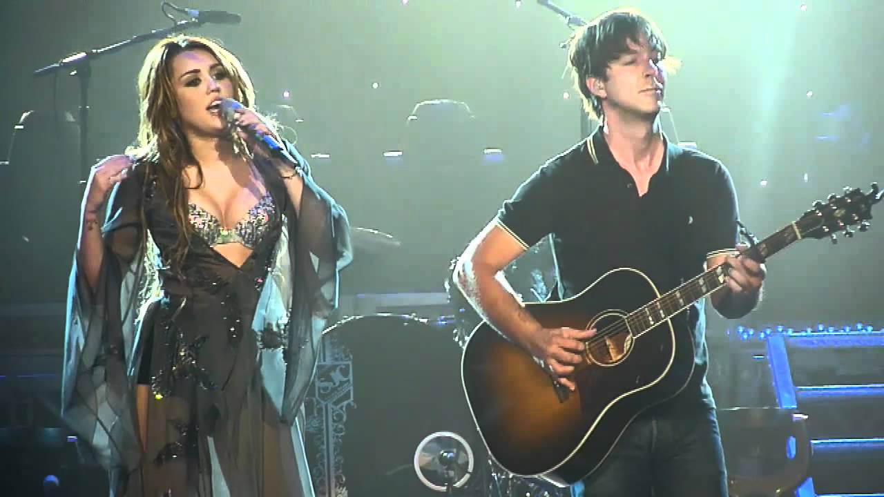 miley-cyrus-landslide-hd-live-from-brisbane-australia-thatsforkillinfrosty