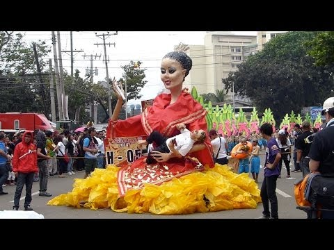 GIGANTIC PUPPETS 20 FEET TALL, ANNUAL SINULOG FESTIVAL, CEBU PHILIPPINES, TRAVEL....