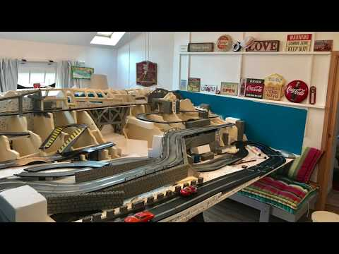 PART 1 CIRCUIT 1/32 SCARLEXTRIC PLAFOND AMOVIBLE / SCALEXTRIC 1/32 CIRCUIT RACE !!