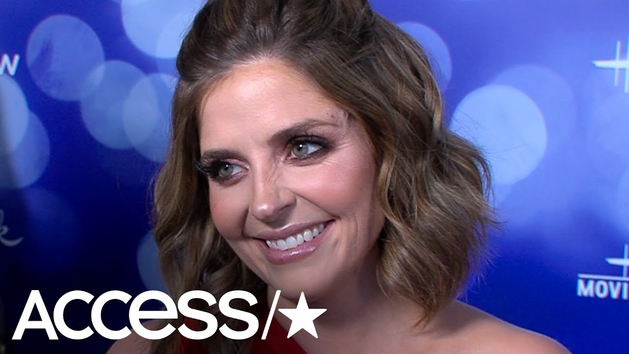 Download Jen Lilley Went Into Labor While On Hallmark Red Carpet: 'We Might Have A Baby Tonight'