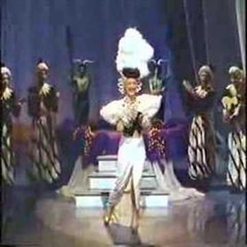 CARMEN MIRANDA - I LIKE TO BE LOVED BY YOU