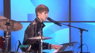 Justin Bieber Sings Born This Way With James Blunt & Ellen !