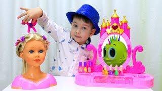 Рома и Хелпик в салоне красоты для детей! Играем в салон красоты Pretend play beauty salon for kids