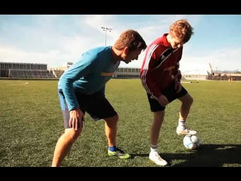How to Improve Jockeying Defense Skills | Soccer Lessons