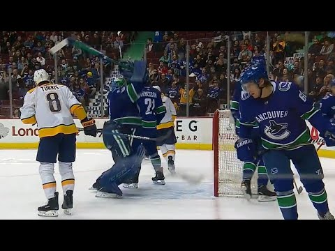 Canucks' Nilsson smashes goalie stick after Predators score sixth goal