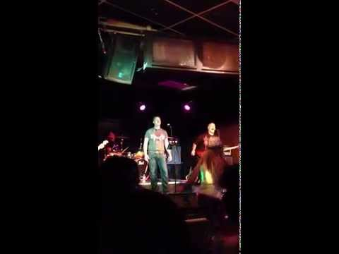 Forum - Tie Your Mother Down - Live at the Blue Grotto (Cover Queen)
