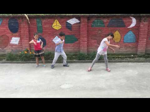 Pani paryo dance by tiny town pre school kids