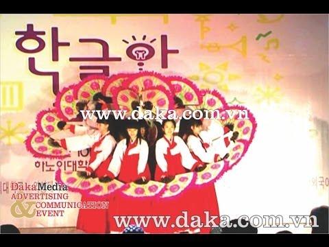 Biểu diễn Múa quạt truyền thống Hàn Quốc