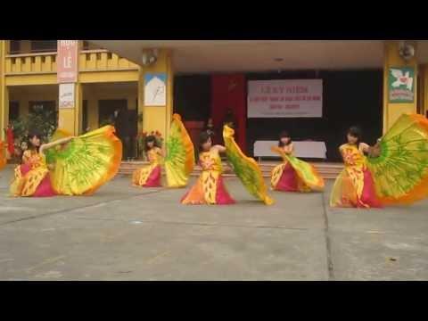 """múa """"Đón xuân"""" 8e~99 thcs Lĩnh Nam"""