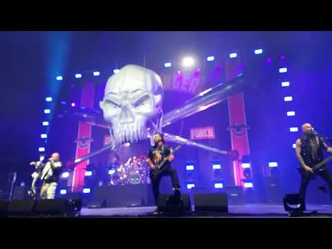 Five Finger Death Punch - Lift Me Up Live at Hartwall Arena 14.11.2017