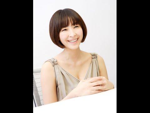 透明感の美しさがステキな麻生久美子さん。CMやテレビでみる和服姿をまとめてみましたよ。生い立ちの複雑さとを微塵も感じさせない、優雅な姿は眩しい程ですね~! 画像参照元 cinemakyoto.s...