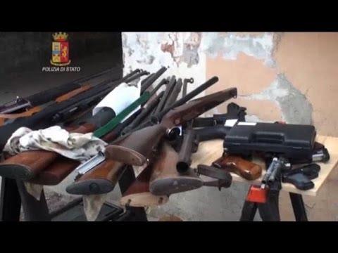 Terlizzi sorpresi armati di kalashnikov e pistola due for Mercatone uno terlizzi