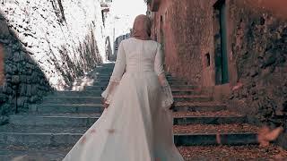 RUNAWAY BRIDE GIRONA | @AbsolutelyKhaoula & @QesAhmed