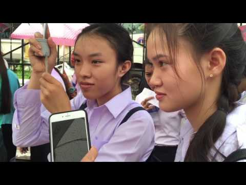 Lao students are waiting to see President Barack Obama at Cultural Center in Vientiane