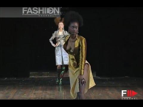 VIVIENNE WESTWOOD Five Centuries Ago Autumn Winter 1997 by Fashion Channel