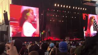 """Billie Eilish """"all the good girls go to hell"""" 