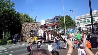 Royal De Luxe Giant Spectacular Girl and Xolo wake up at Queensway tunnel Liverpool 25/07/2014