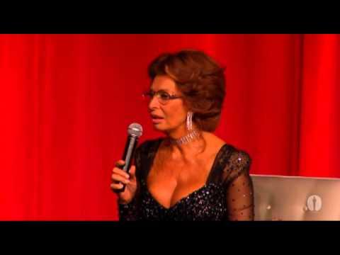 Billy Crystal interviews Sophia Loren